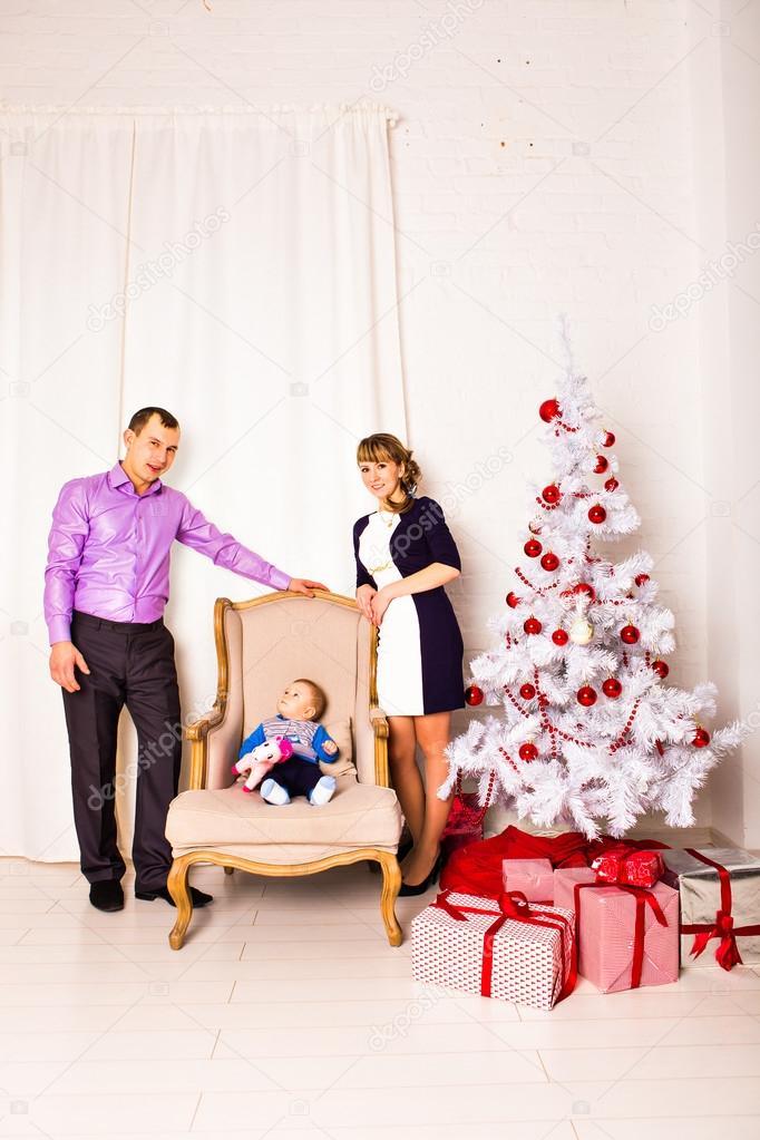 Kerstmis familieportret In huis vakantie woonkamer, kinderen en Baby ...