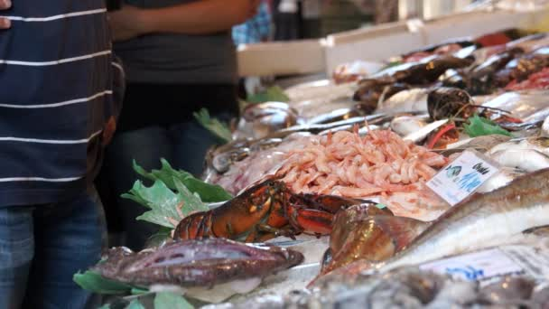 Trhu s potravinami Rialto v Benátkách