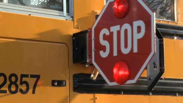 Značka stop školní autobus