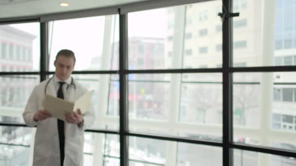 Scéna z mladého zdravotníka