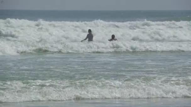 Egy jelenet a tipikus floridai strandon
