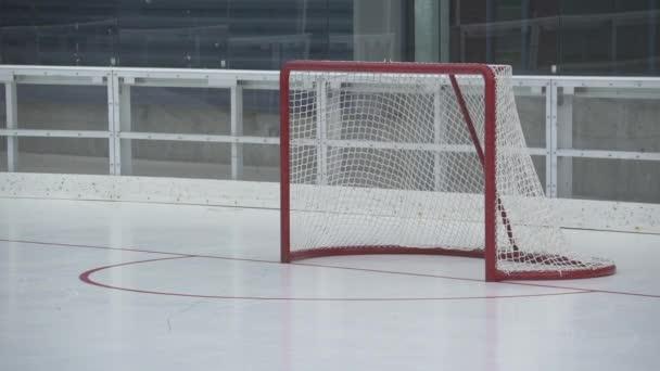 Názory praxe hokej na zimní stadion