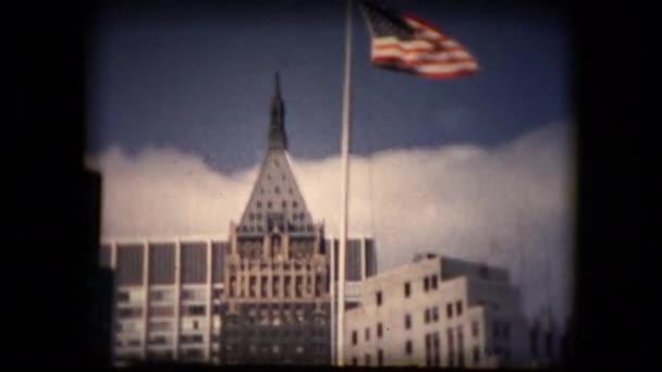 Pohled na panorama New Yorku z lodi v polovině šedesátých let
