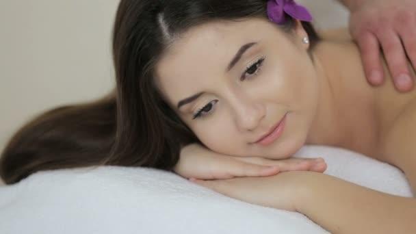 relaxační masáž v lázních kosmetika