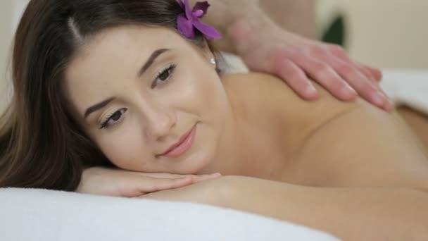 Relaxáló masszázs, spa szépségszalon