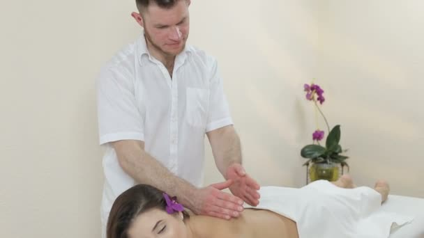 Сделала массаж в душе видео 2