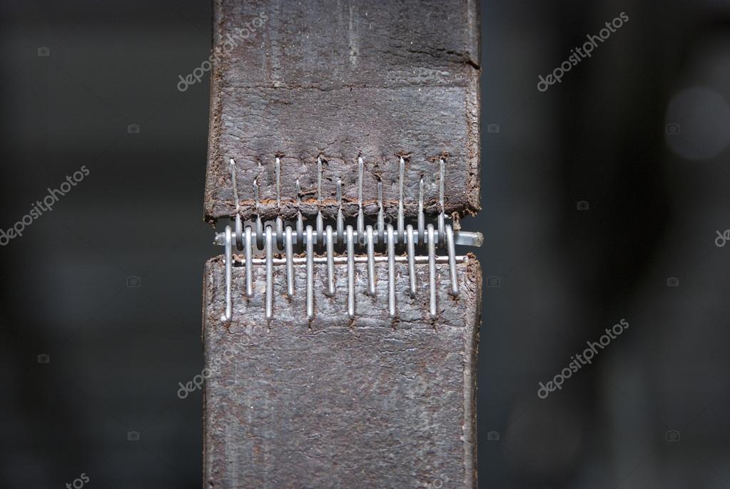 Ledergürtel, verbinden das Getriebe mit Motor angetrieben Maschinen ...