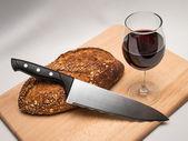 Brot, Wein und Messer