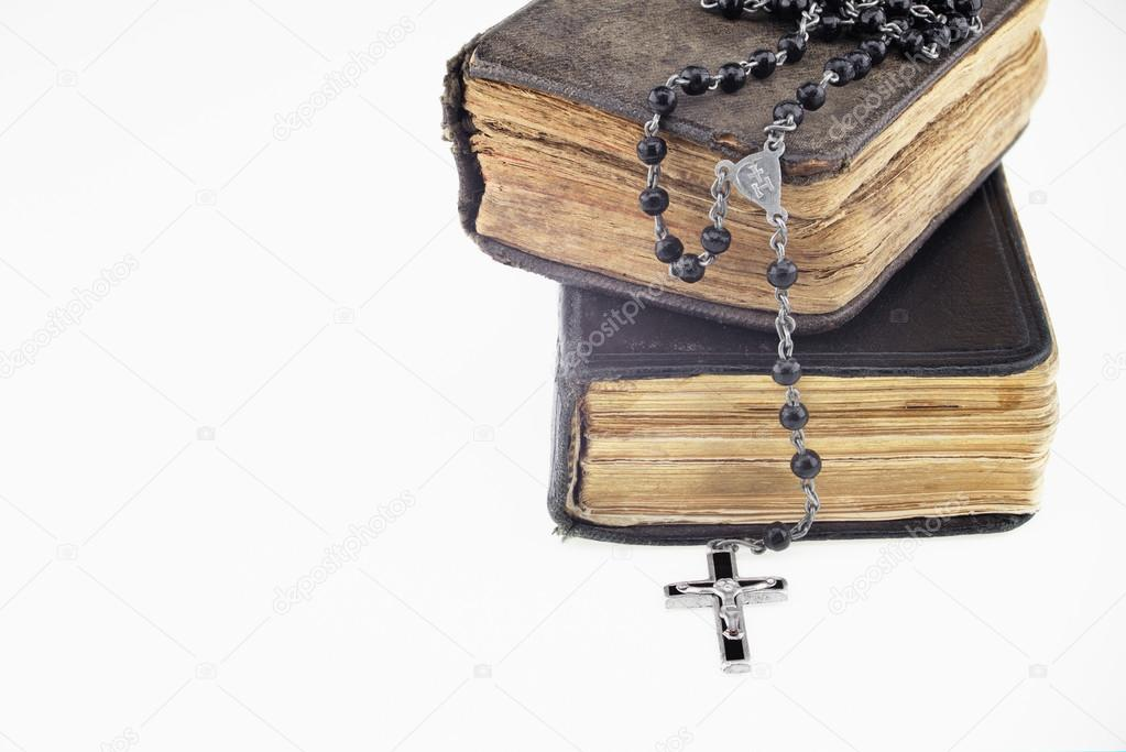Antique prayer-books and a black rosary on it — Stock Photo
