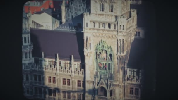 Fassade des Historischen Uhrturms in München