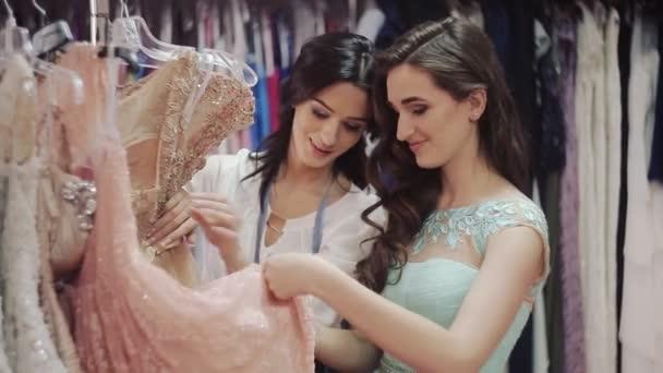 Como elegir un vestido de coctel
