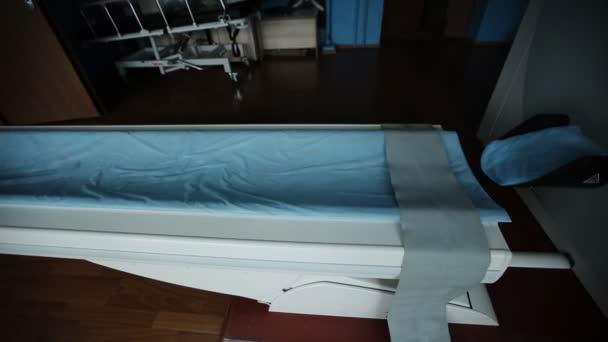 A kórház laboratóriumának MRI szkenner