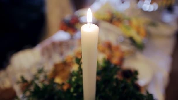 Am Brennenden Kerze Hochzeit Tisch U2014 Stockvideo