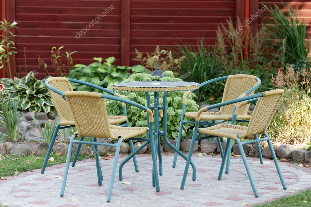 Korbmöbel Im Garten Stockfoto Kseniapelevina 67920699