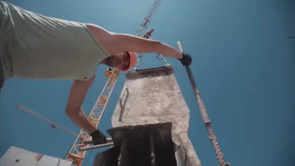 Filmaufnahmen von nachfolgendem Betongießen auf Baustelle