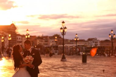 Bride and groom in the city of Venice