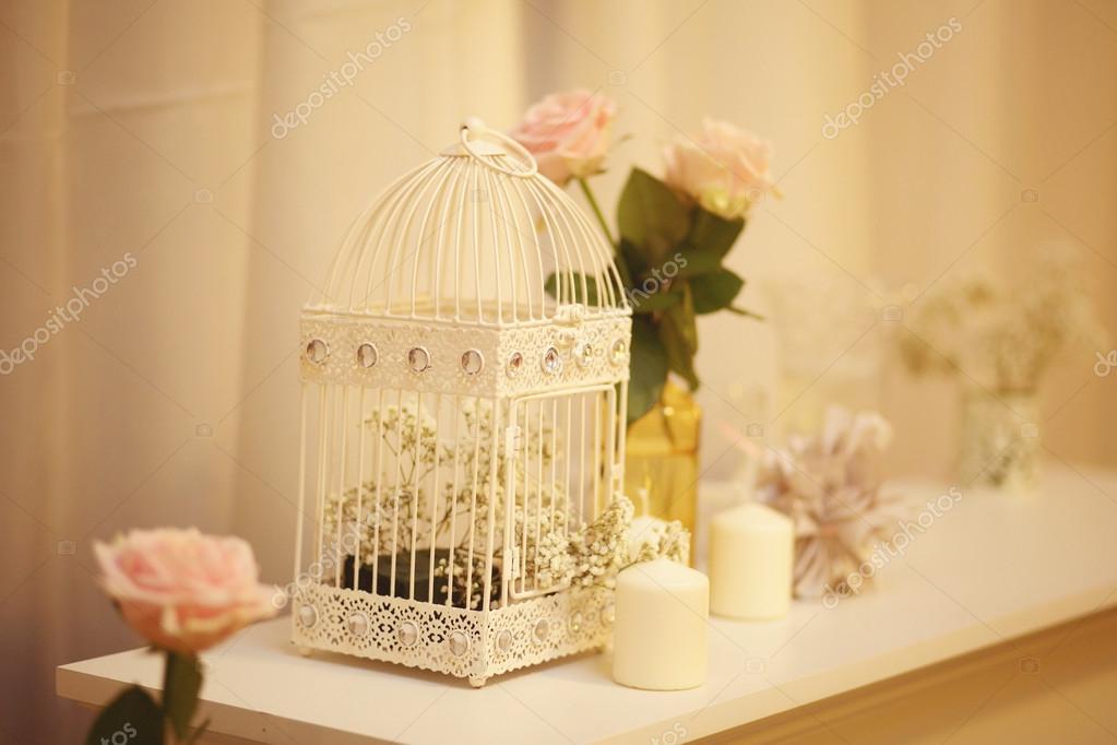 Schone Vogel Kafig Dekoration Fur Hochzeit Tabelle Stockfoto