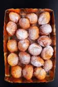 Fényképek Üveg vázában, porított Donuts cukor és a méz