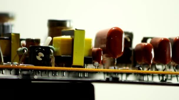 Rotációs elektronikus fedélzet-val rádió alkatrészek Vértes