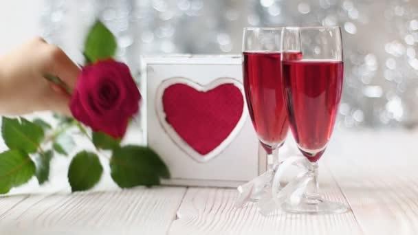Romantické Zátiší s krásné červené růže. Den svatého Valentýna koncept