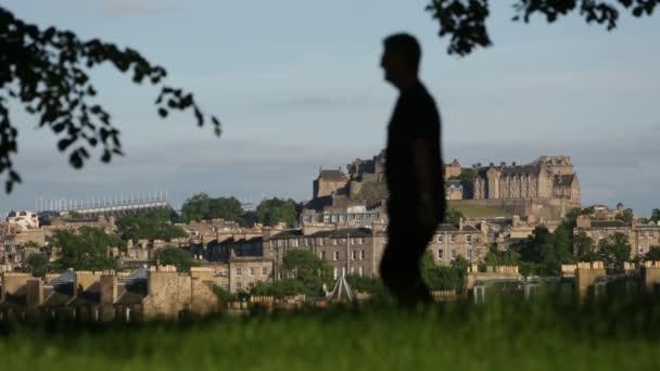 Colpo del Castello di Edimburgo da Inverleith park a Edimburgo