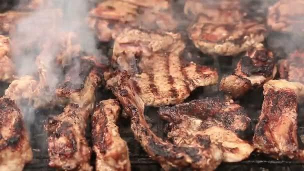 Steaky a žebra bbq