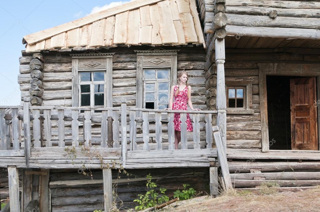 Chica En La Terraza Chica En La Terraza De Una Casa
