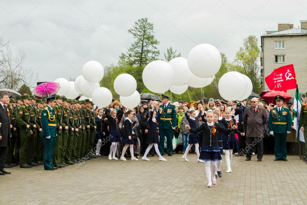 The opening of the Stella and the laying of wreaths at the memor