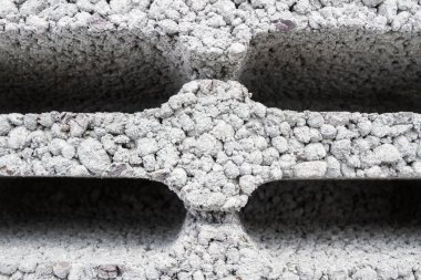 Building materials based on the open construction
