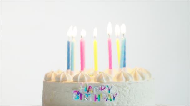 születésnapi videók küldése Boldog születésnapot torta égő gyertyát — Stock Videó  születésnapi videók küldése