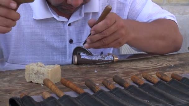 Muž, takže tradiční nože