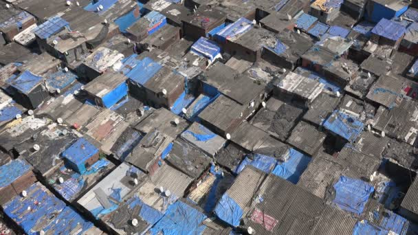 Střechy slumského domu