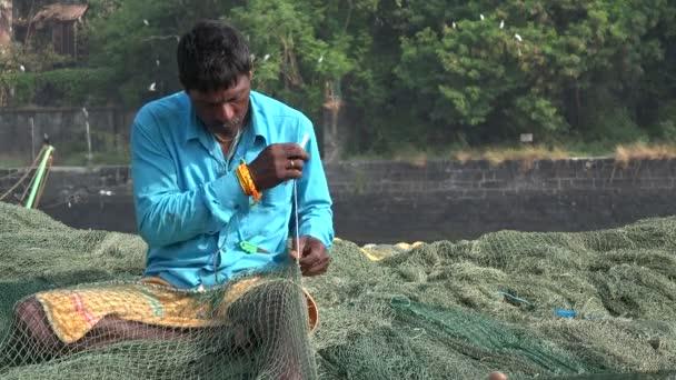 ремонт рыболовных сетей