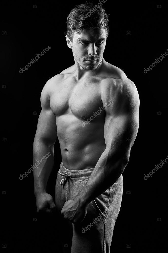 Черно белые фото сексуальных мужчин