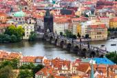Fotografie Pohled z výše přes Karlův most, Praha