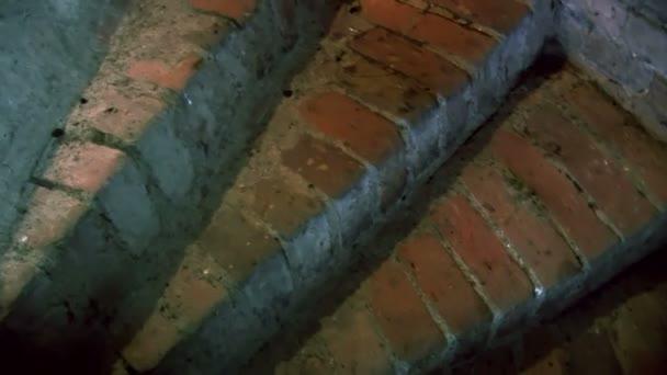 Hrad schody 3. mov