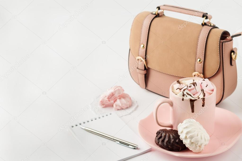 b0b4e9ebdf Ζεστή σοκολάτα με marshmallows