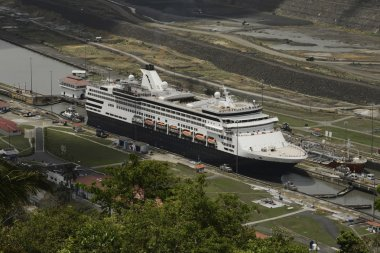 Aerial view of a cruise ship at Pedro Miguel Locks