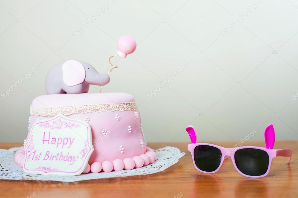 Celebrating First Birthday Cake And Sunglasses Happy 1st Birsday One Year Surprise For Child Make A Wish Desire Foto Von Petunyia