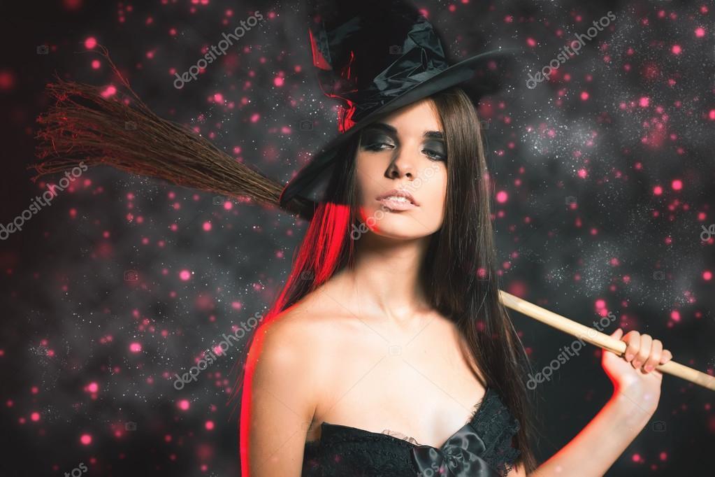 Brujas Mujeres Hermosas Hermosa Mujer Como Bruja Moda