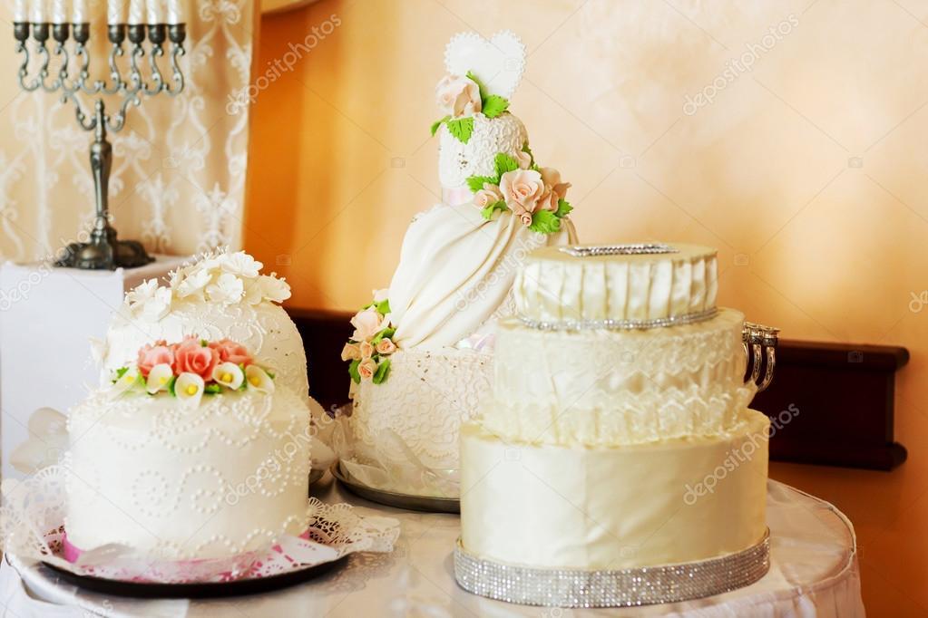 white wedding cakes — Stock Photo © ivash #86502390