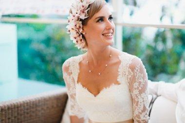 beautiful gorgeous blonde bride