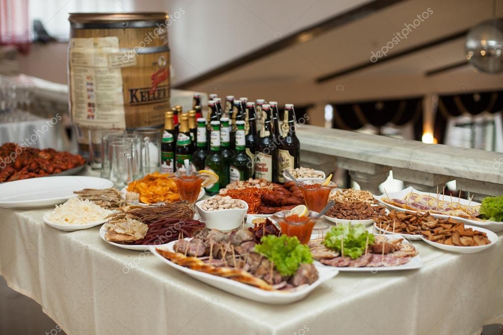 862a4c32a246 Traditional ukrainian wedding feast table — Stock Photo © ivash ...