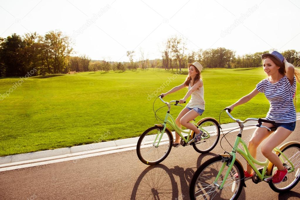 Сексуальное удовольствие на велосипеде