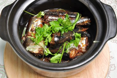 Vietnamese braised fish or ca kho to