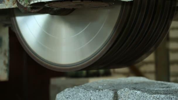Kreissage Fur Granit Stein Stockvideo C Ruslanye 111451400