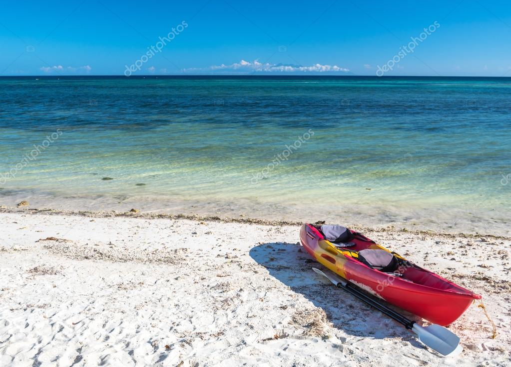 Sea kayak at Anda white beach