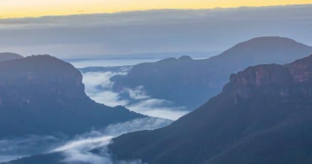 Sunrise over the Blue Mountains Govetts Leap Timelapse Close Shot
