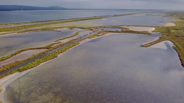 Některé letecké záběry rybníků Palavasiens, přírodní místo chráněné pro svou rozmanitost, pokud jde o faunu a flóru. Nachází se na jihovýchodě Francie.