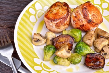 Bacon-Wrapped Chicken Medallions